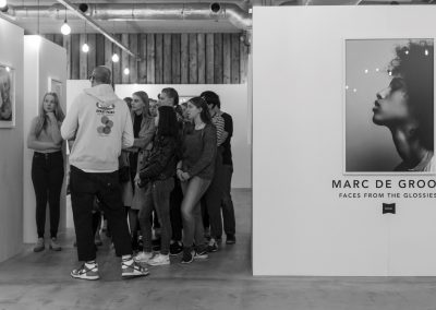 OSCAM x Marc de Groot - Faces from the Glossies Celebration Party (blanco) -23 © Les Adu 2018 (Large)